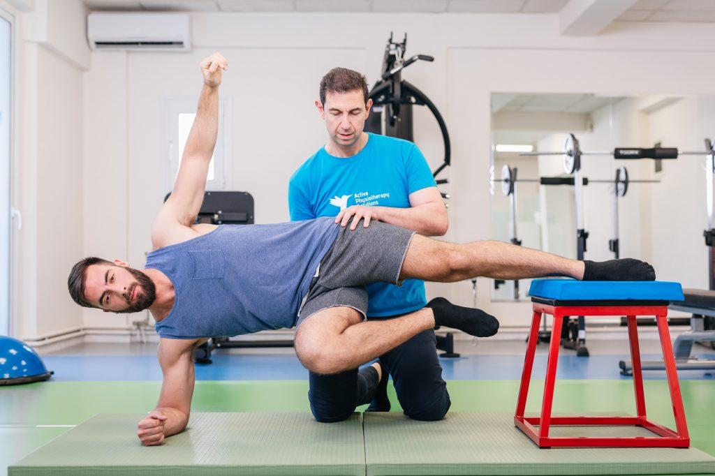 Σύνδρομο Κοιλιακών Προσαγωγών - άσκηση με τον φυσικοθεραπευτή