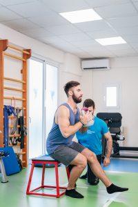 Άσκηση για ρήξη μηνίσκου με την καθοδήγηση του φυσικοθεραπευτή